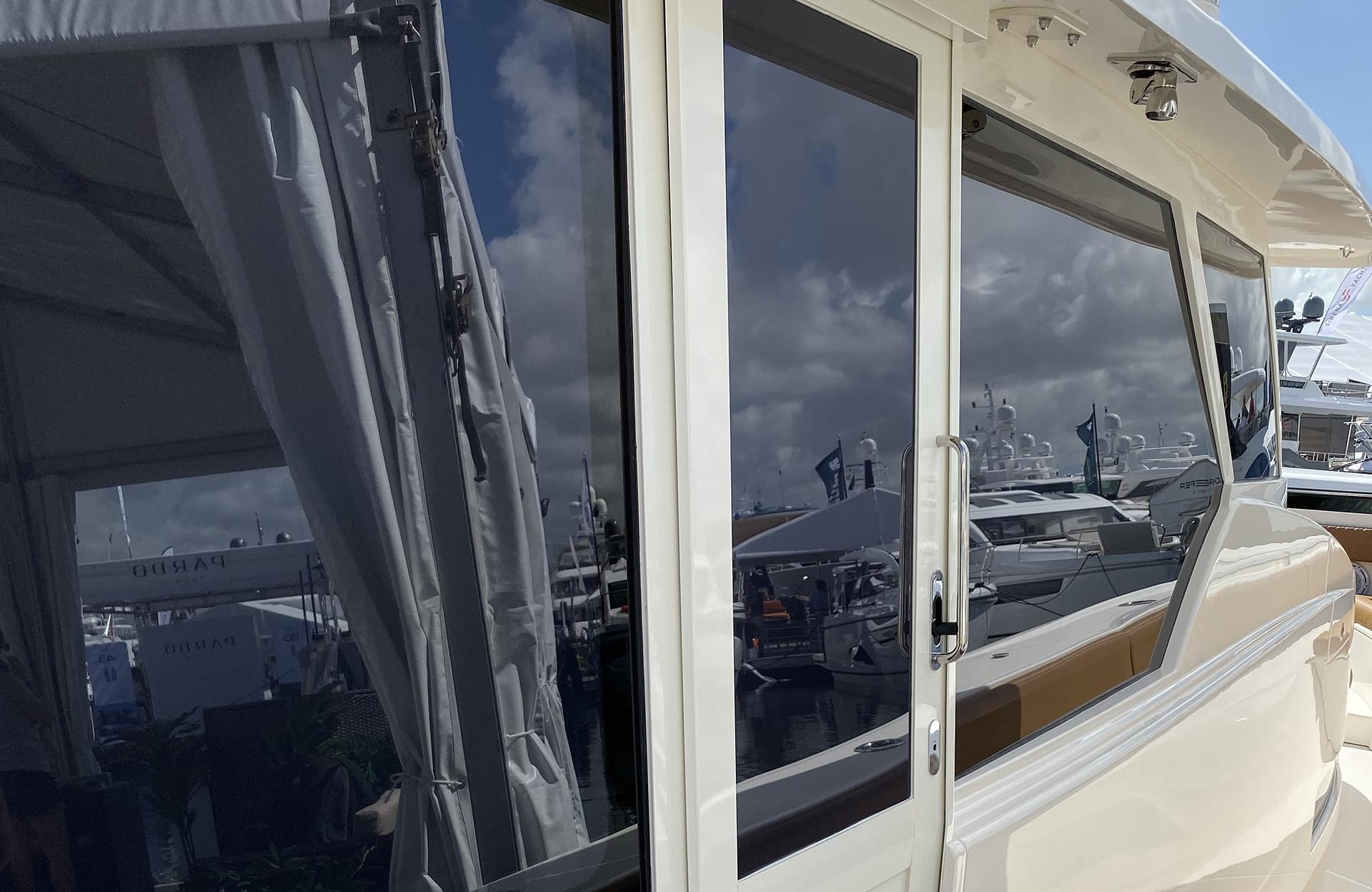 DTS Retracting Sliding Glass Door